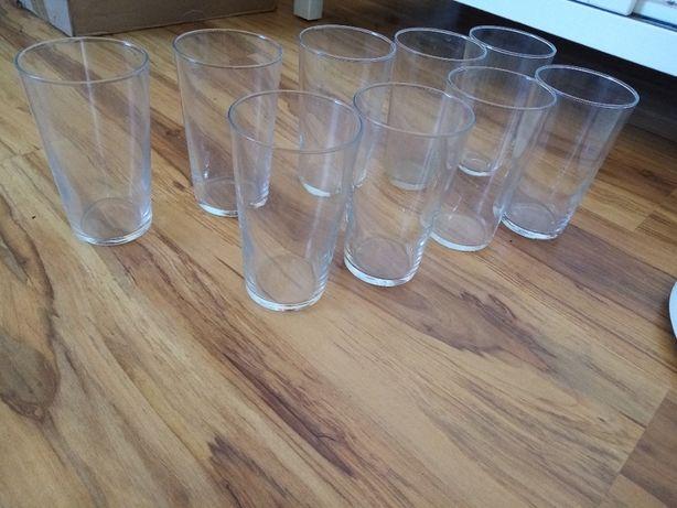 szklanki około 14 cm wys. i 2 filiżanki -używane