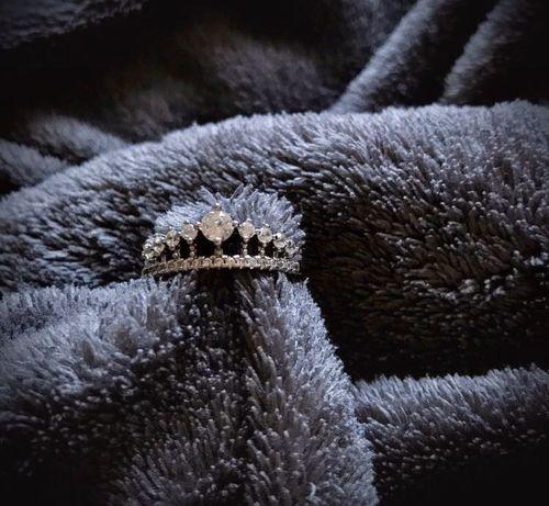Pierścionek srebrny korona