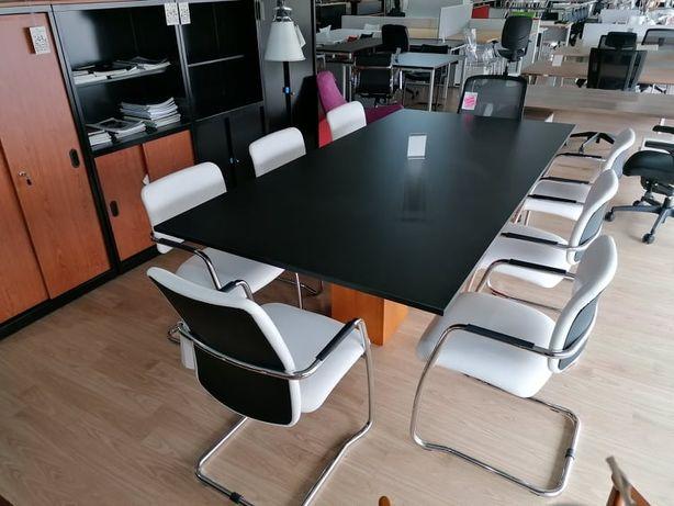 Espectacular mesa de jantar ou de reuniões