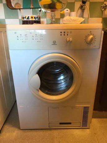 Maquina de secar Indesit g72c (nova)
