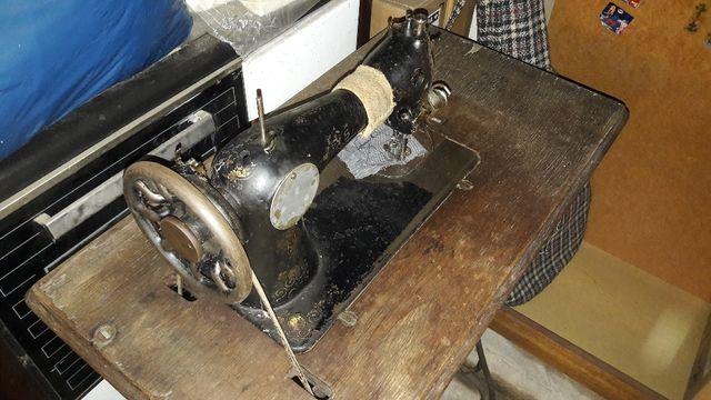 Stara maszyna do szycia - SINGER