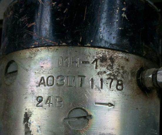 Электродвигателем МН-1 с маслозакачивающим насосом