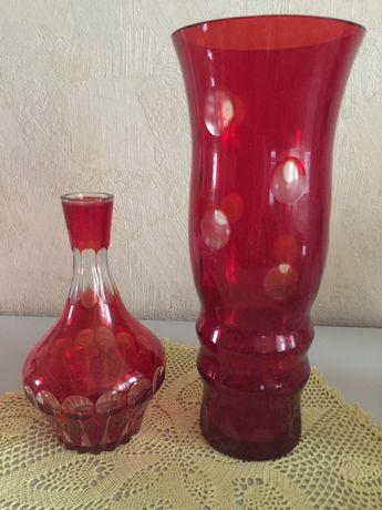 Ваза и графин из красного стекла ссср