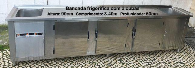 Bancada frigorifica em inox com 2 cubas e 3 frigoríficos