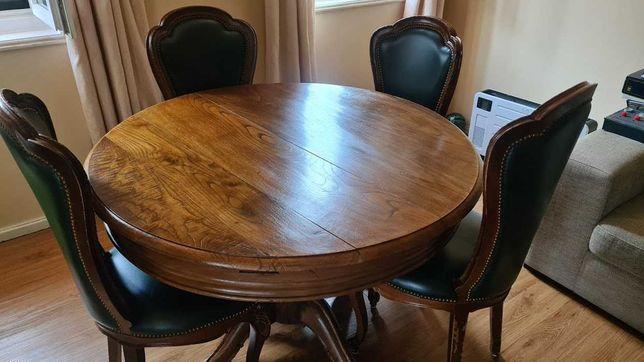 Mesa de Sala de Jantar - extensível com 8 cadeiras
