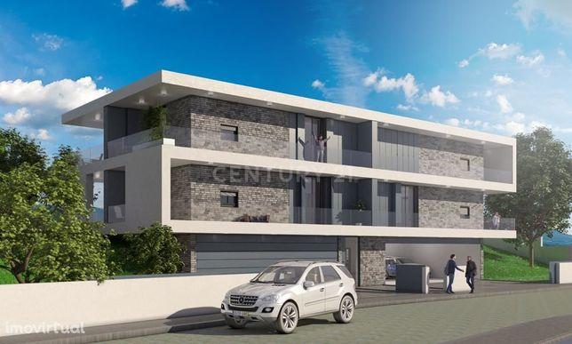 Terreno com projeto aprovado para construção de apartamentos em Gualta