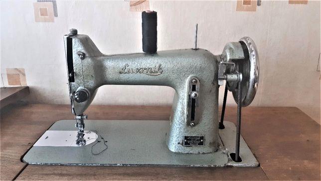 Zabytkowa maszyna do szycia Łucznik 1960r_od Krawca_używana do 2021