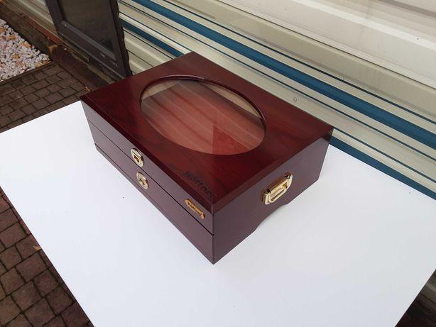 Drewniana szkatułka, skrzynia  z dwoma szufladkami
