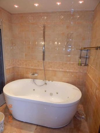 Плиточник . Ремонт ванной комнаты.