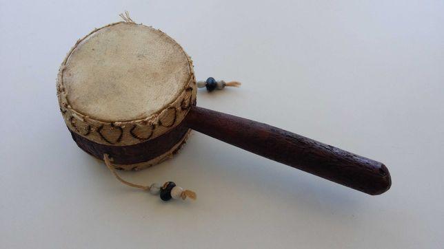 Instrumento de percussão étnico tambor madeira pele