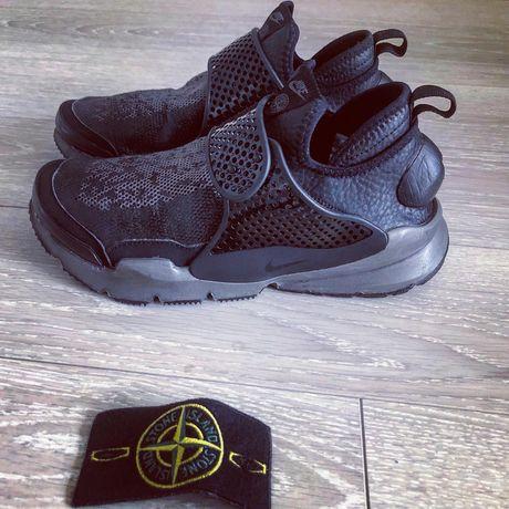 Коллаборация Stone Island x Nike Sock Dart Mid
