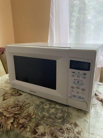 Микроволновка Samsung CE2638NR