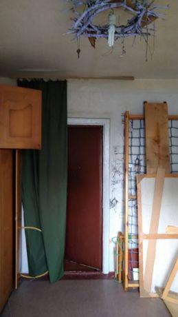 Продам две комнаты в коммунальной квартире