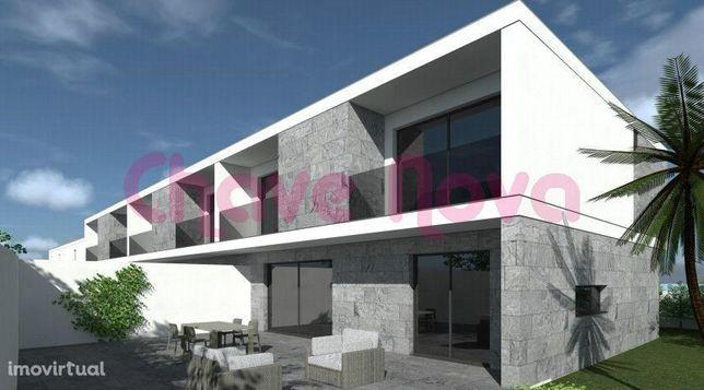 Terreno para Moradias c/projecto aprovado junto à Avenida de Francelos
