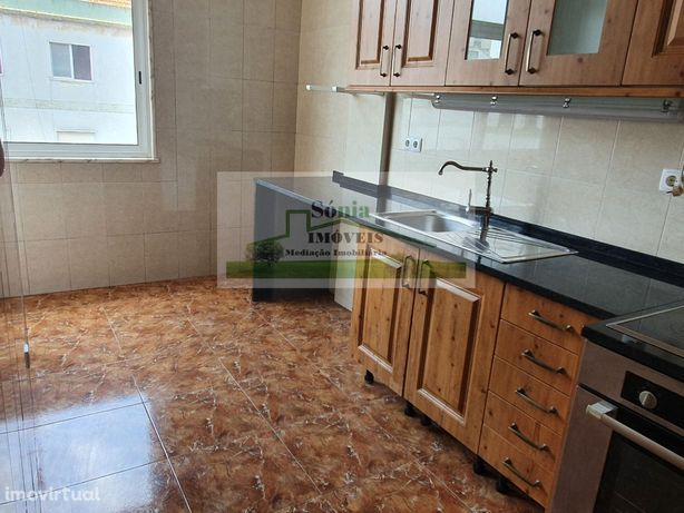 Apartamento T2 em Massamá