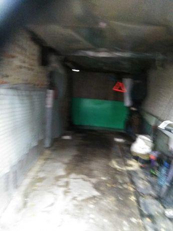Сдам гараж по адресу : Новаторский въезд 4 , р-н салон Бавария моторз