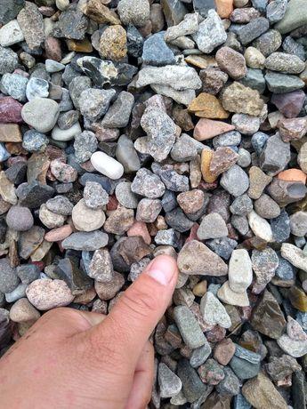 Zwir piasek ziemia tłuczen kamien