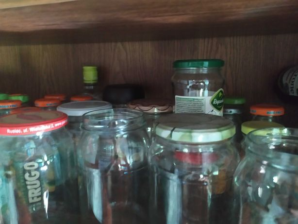 Słoiki na przetwory, butelki