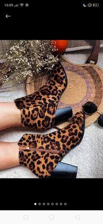 Полусапожки на каблуке с леопардовым принтом