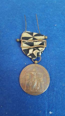 "Antiga medalha de bronze "" Comportamento Exemplar "" CML Bombeiros"
