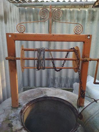 Барабан на колодец, бассейн с тросиком, ведром и крышкой на колодец.
