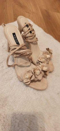 Sandałki damskie na obczacie beżowe