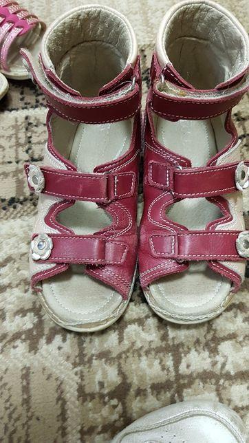 Продаж дитячого взуття. Недорого!