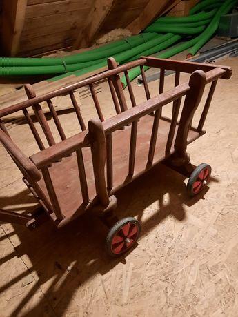 Wózek drewniany na kółkach