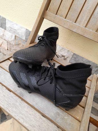Chuteiras Adidas Predator Pretas 39, oferta de caneleiras Joma