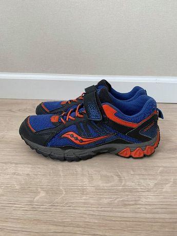 Кроссовки демисезонные ботинки Saucony не Nike Adidas