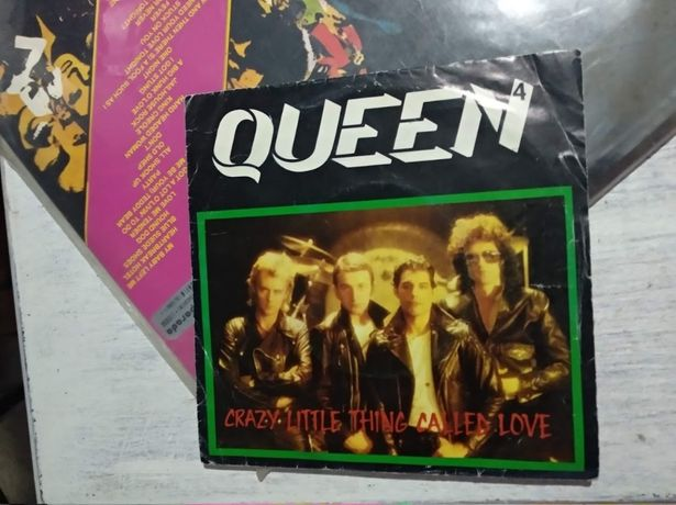 """Single QUEEN """"Crazy Little Thing Called Love """""""