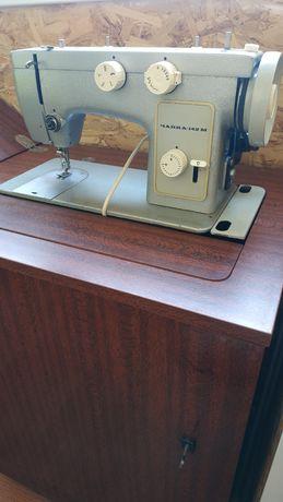 швейная машинка.чайка 142м