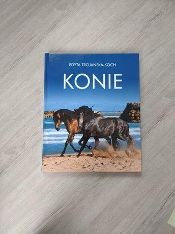 Książka Album Konie bogato ilustrowana twarda okładka stan idealny