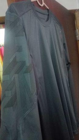"T-shirt "" Reebok "" , ,original, portes c/n grátis"
