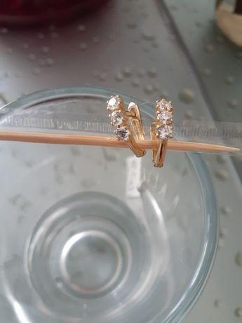 Нові золоті сережки Zarina  і підвіска з пломбою.