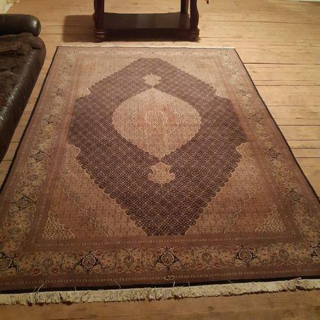 Продам великолепный,неповторимый персидский ковёр. Иран