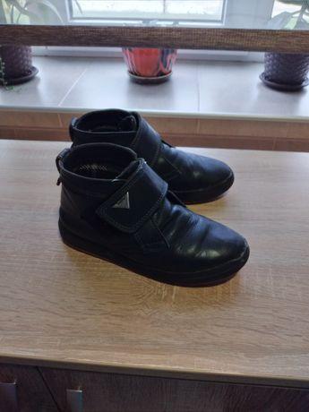 Продам черевички для хлопчика осінні шкіряні