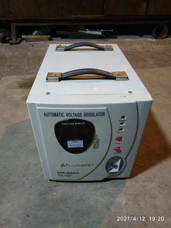 Стабилизатор трансфоматор Luxeon KDR8000VA
