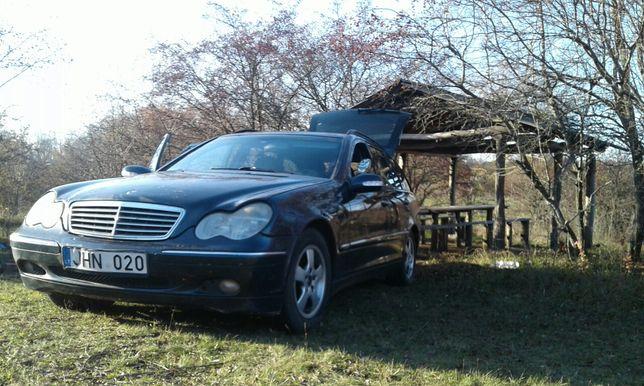 Mercedes Benz,
