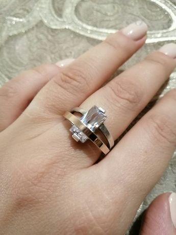 Серебряное кольцо с золотой пластиной 17 размера
