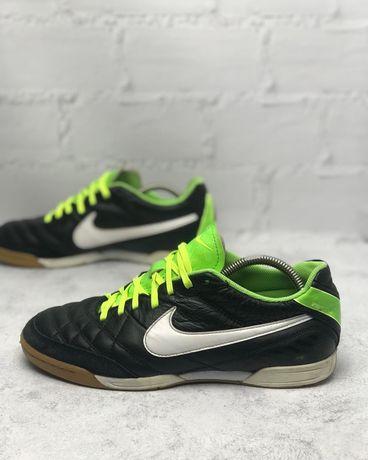 Футбольные футзалки Nike Tiempo 41 размер
