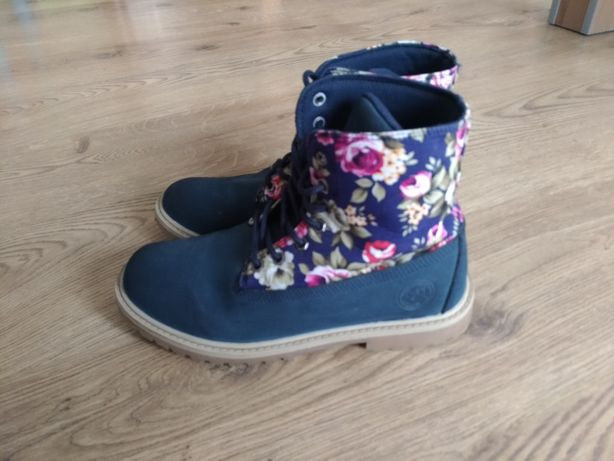 Buty w kwiaty r. 38