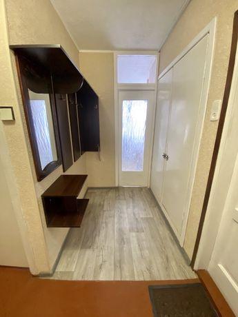 Сдам 3-х комнатную квартиру возле метро Защитников Украины ул Тарасовс