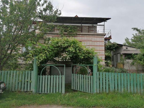 Добротный кирпичный дом 1990 годов постройки. с. Геронимовка, ЦЕнтр