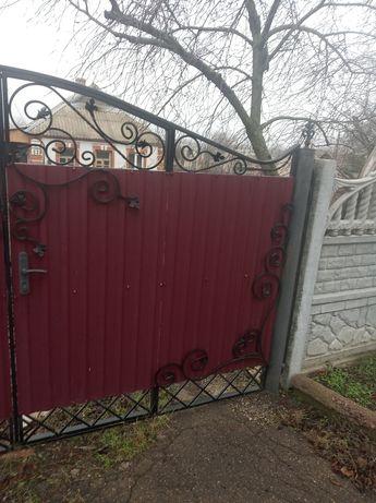 Продам два дома на одном участке Софиевка Днепропетровская область