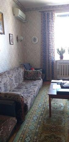 продам 2хкомн. квартиру сталинка ул.Ленина (Воскресенская)