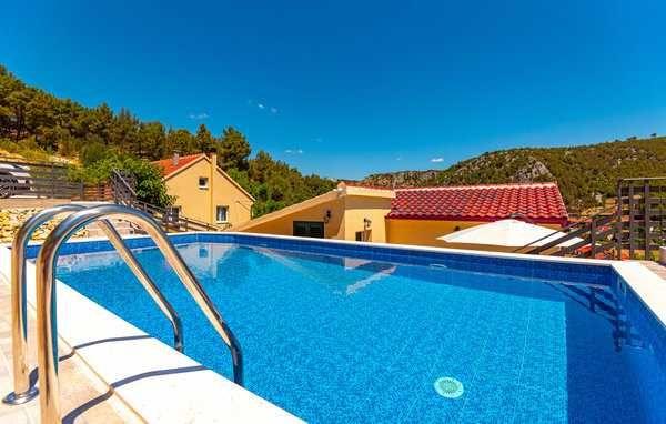 Chorwacja 2022, Sibenik-Skradin, dom z basenem dla 8 osób