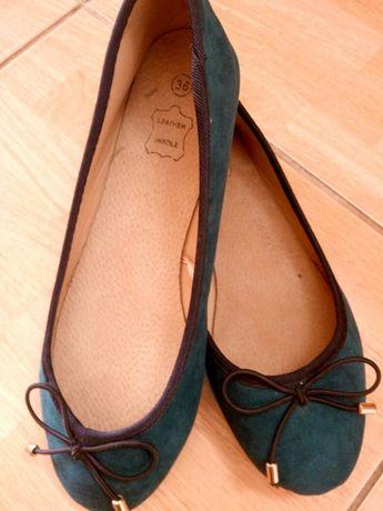 Продам туфли 34-35р новые по стельке 23см