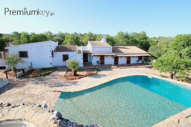 Moradia V3+1 com piscina para venda em Salir, Algarve
