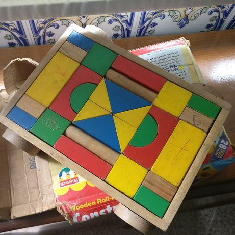 Jogo de peças geométricas
